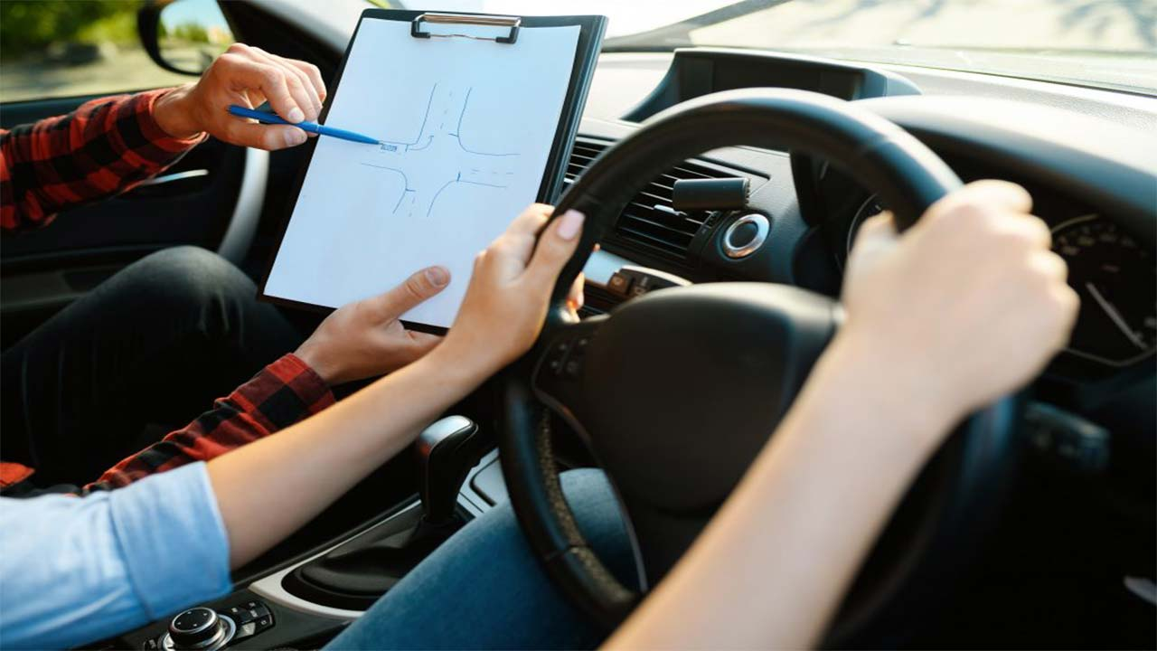 Key Points to Consider for Selecting the Best Driving School